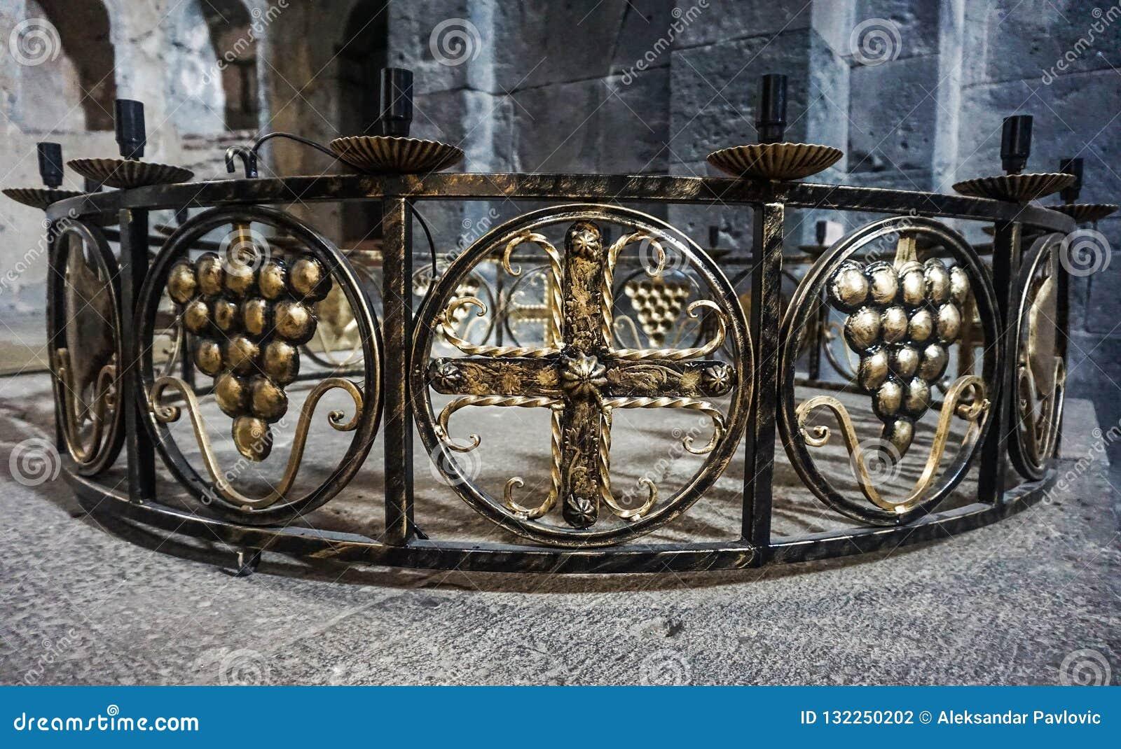 Sanahin klosterljuskrona