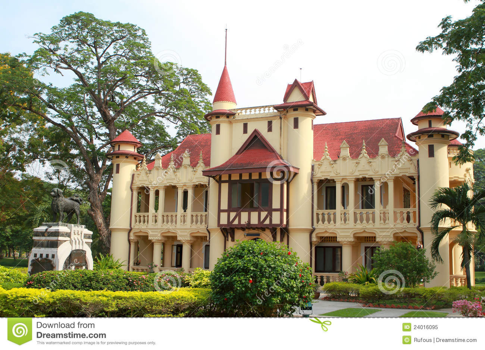 Sanam Chan Palace, Nakhon Pathom, Thailand Royalty Free Stock Photo - Image: ...
