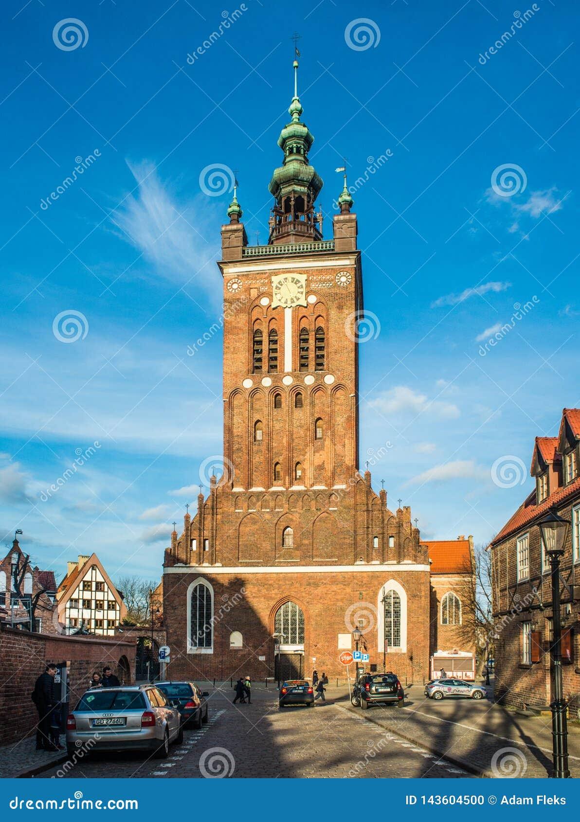 Sanct Catherine; gotisk kyrka för s i den gamla staden av Gdansk, Polen
