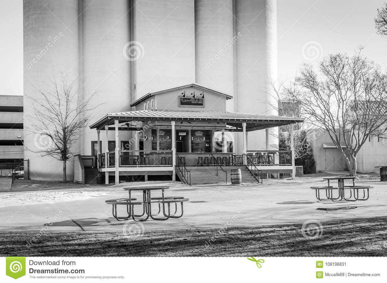 Pleasant Sand Bar On Montgomery Riverfront In Black And White Gmtry Best Dining Table And Chair Ideas Images Gmtryco