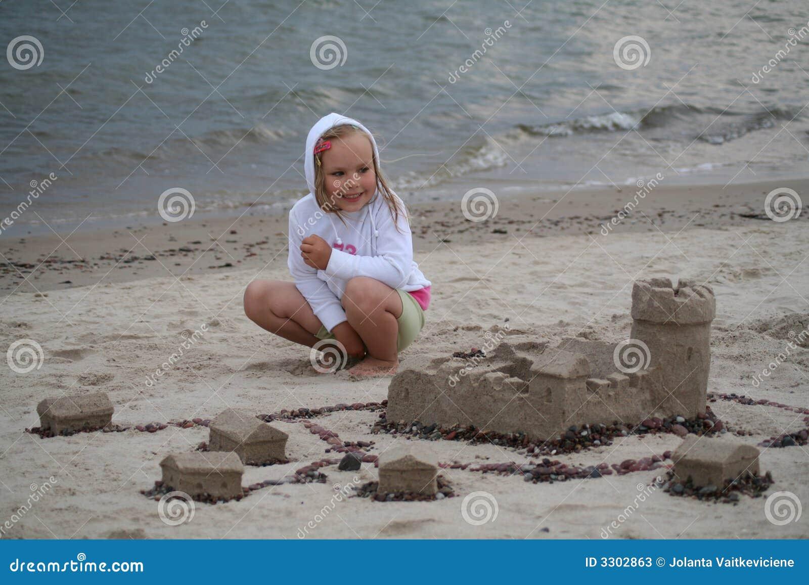 Sand castle builder