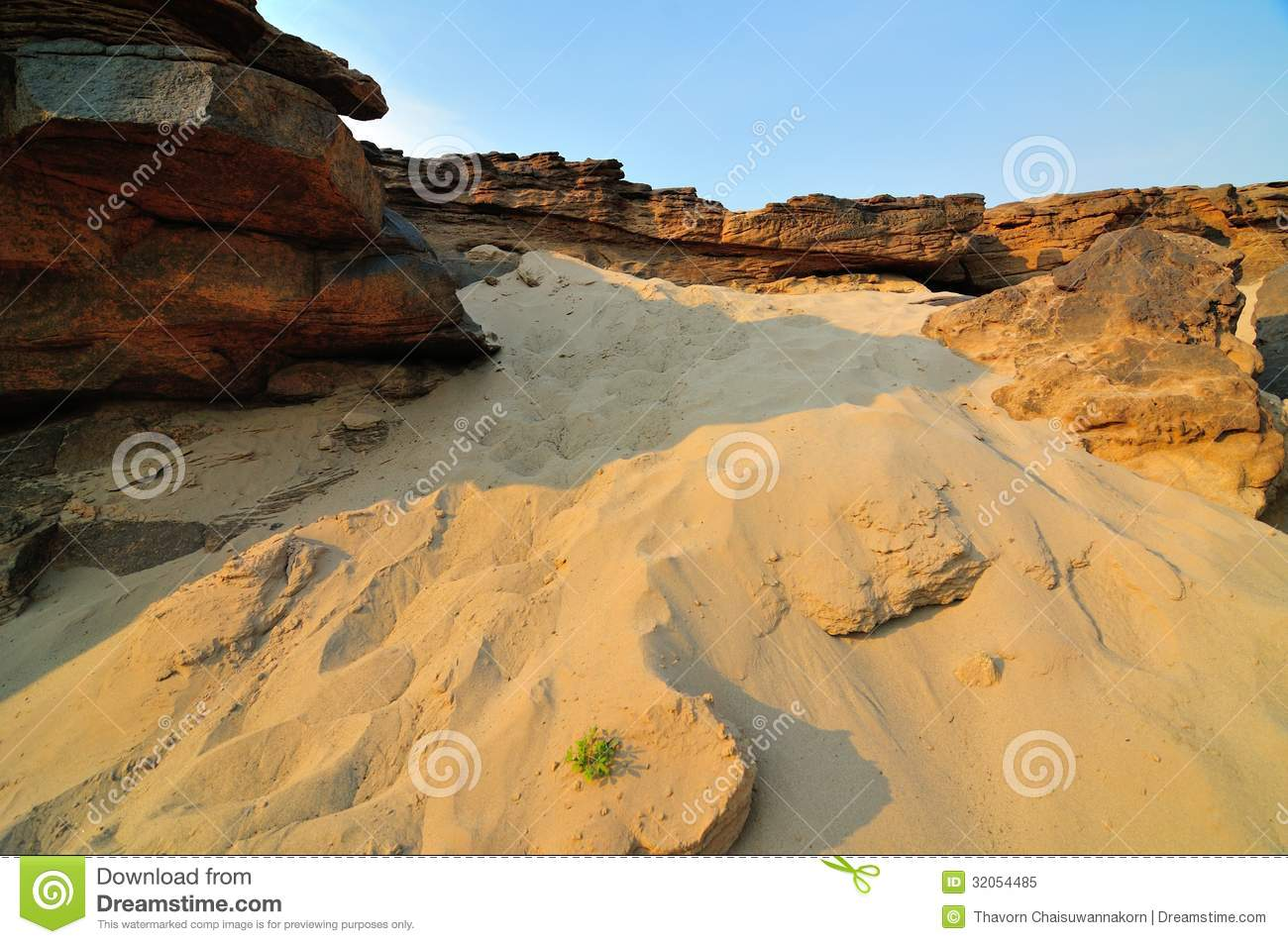 Sand and desert plants , Sam-Pan-Bok Grand Canyon, Mekhong River, Ubon ...