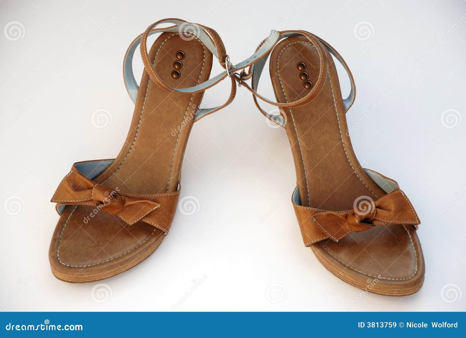 Sandali marroni di estate delle donne