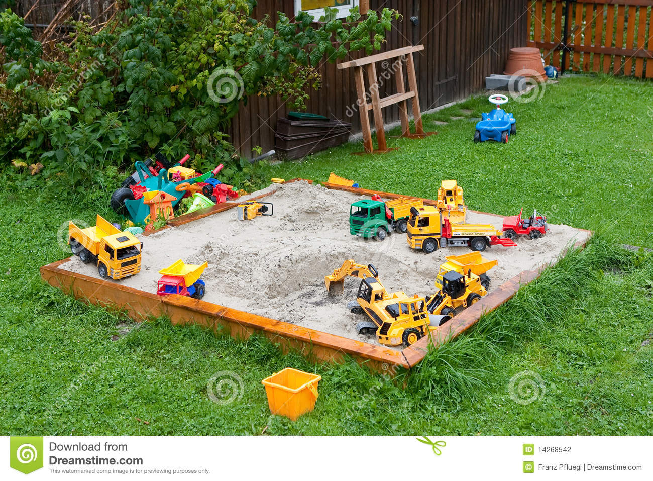 Toys For Sandbox : Sandbox and toys stock photo image of court digger