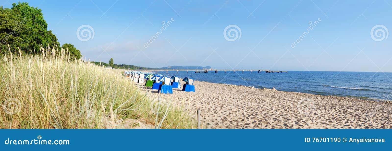 Sandig strand på ön Rugen, nordlig Tyskland