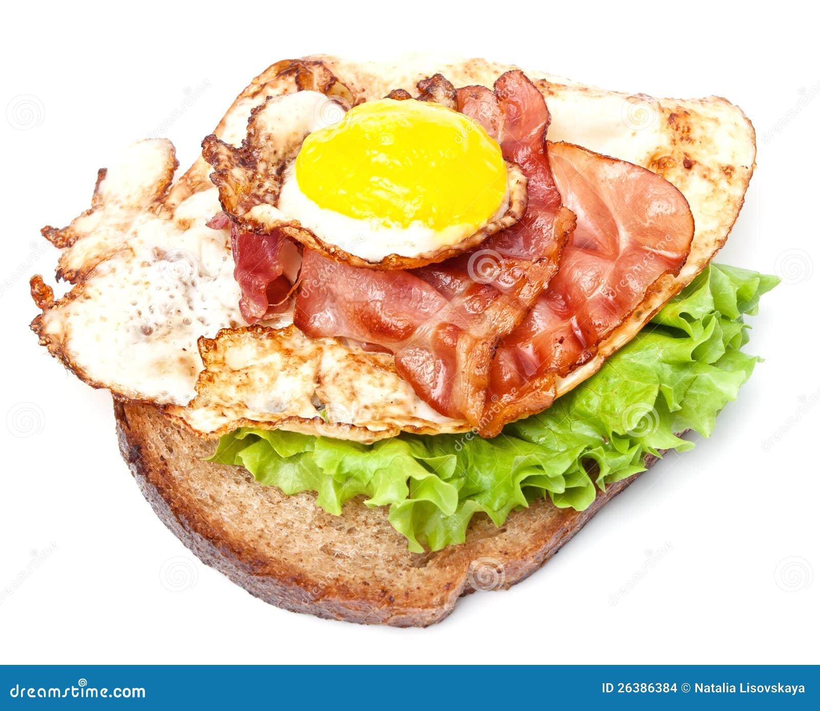 Sanduíche com ovo e bacon