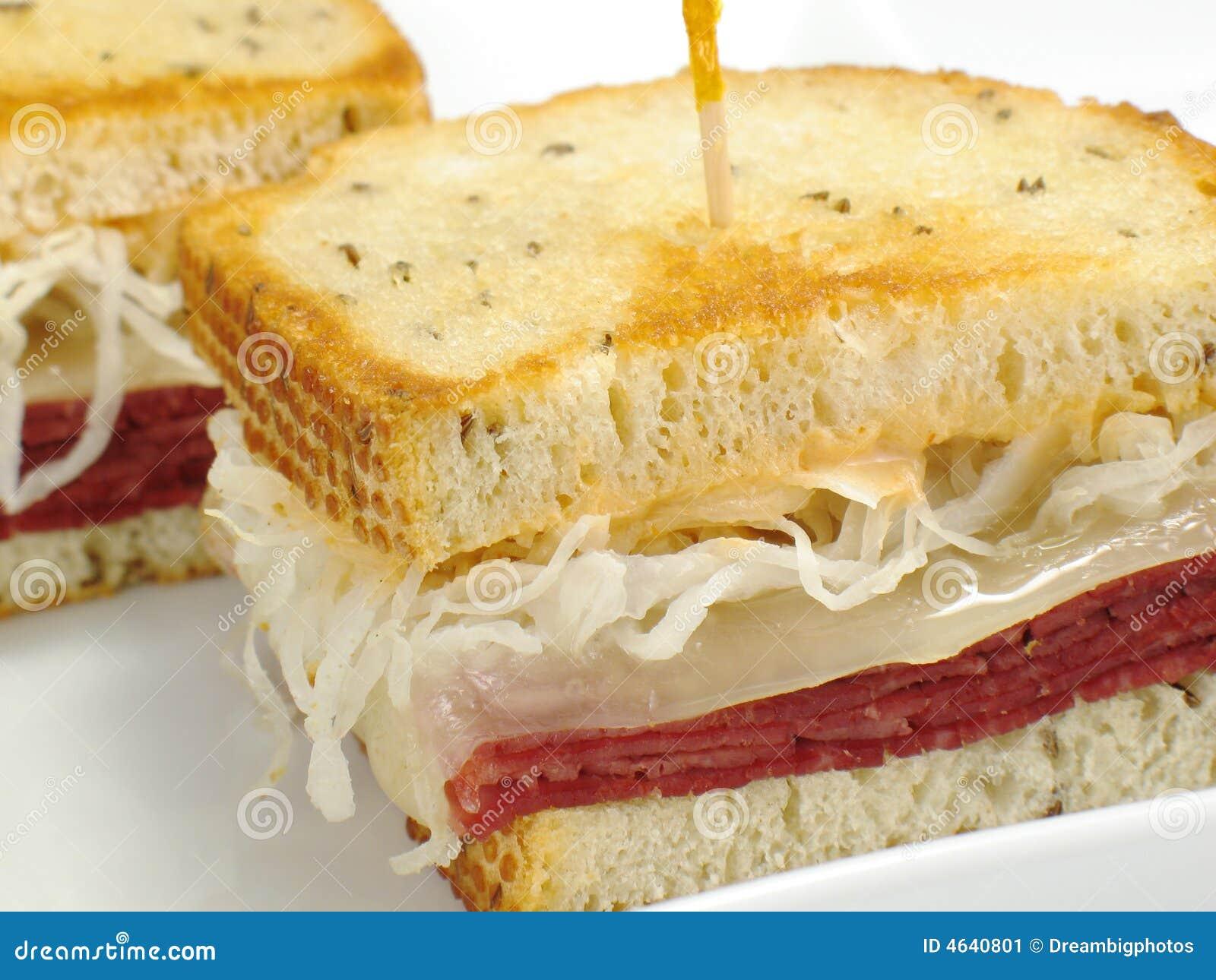 Sanduíche de Reuben