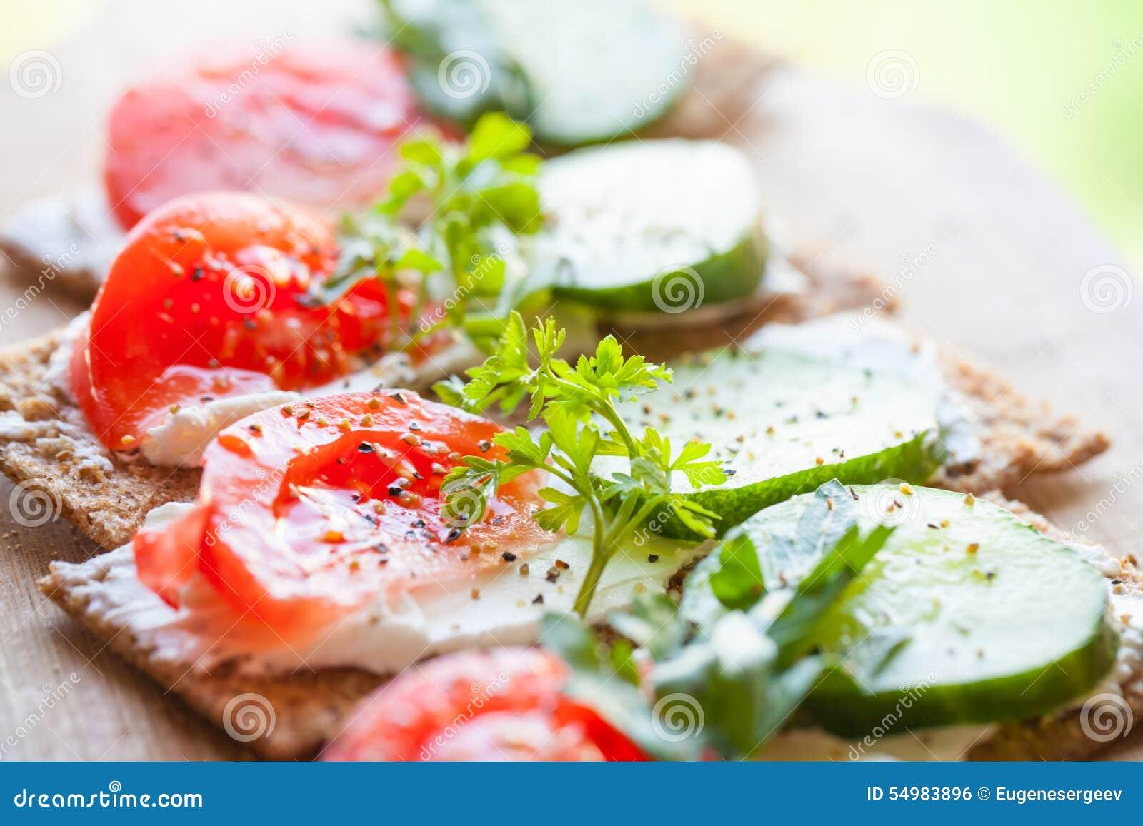 Sanduíches brilhantes Pão finlandês da batata frita do centeio