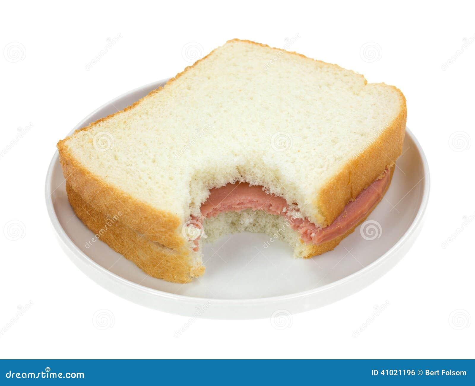 Sandwich bidon mordu sur le pain blanc