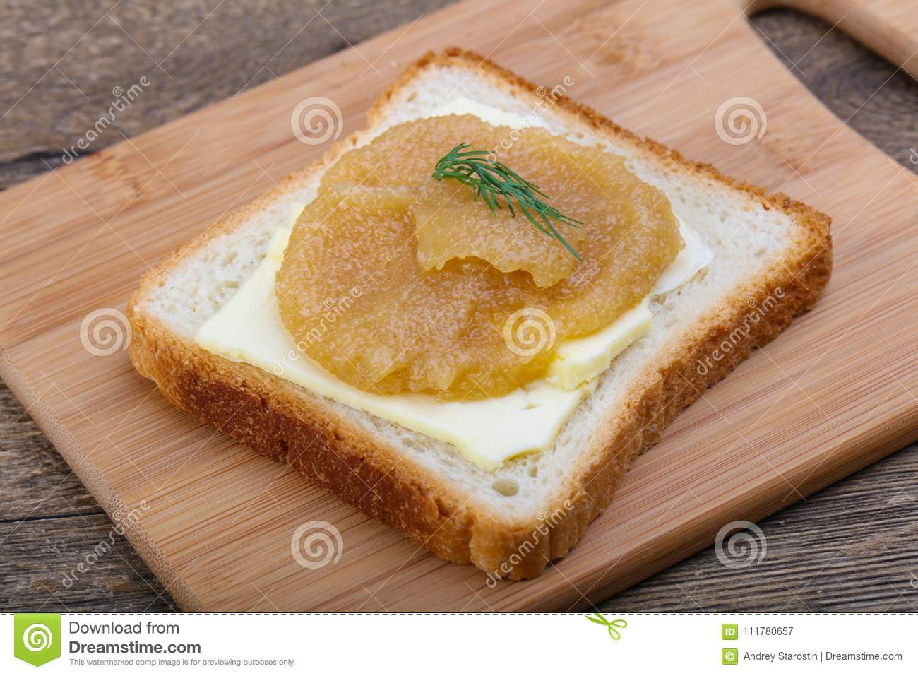 Sandwich with herring roe