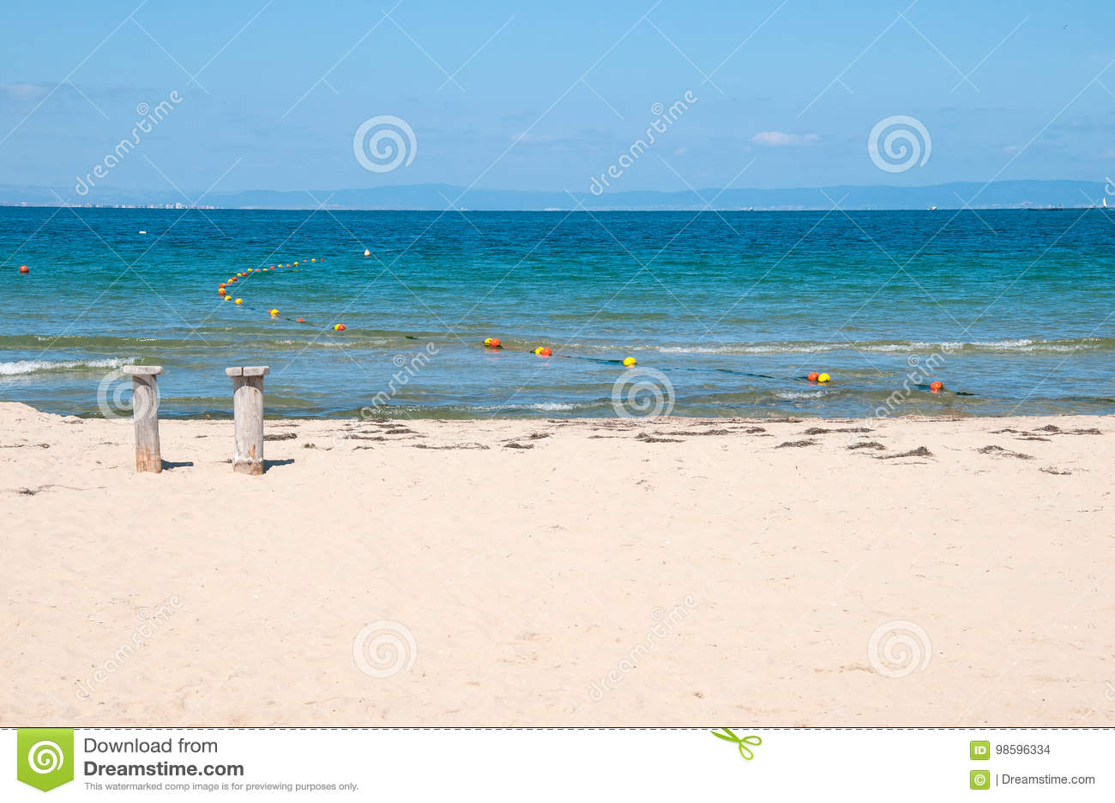 Sandy Beach en Blauwe Overzees