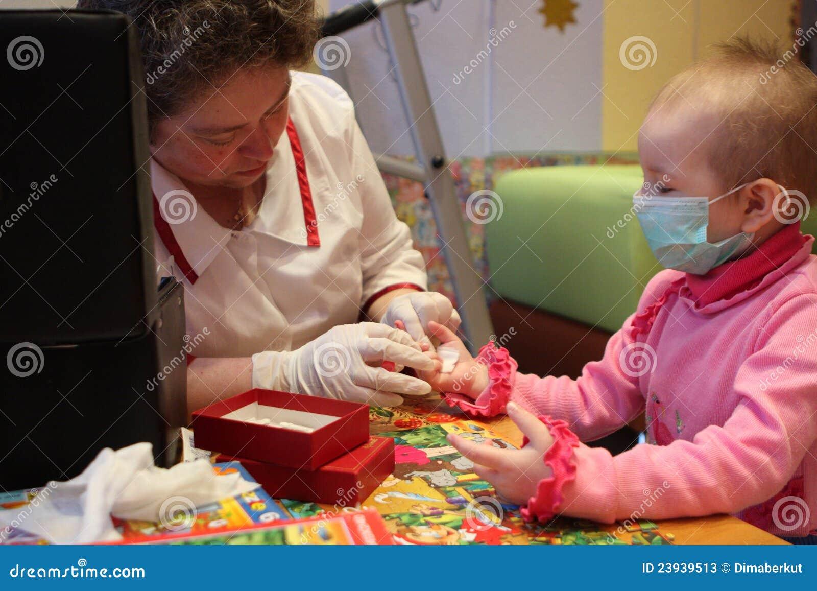 Sangre probada en el departamento de oncología pediátrica