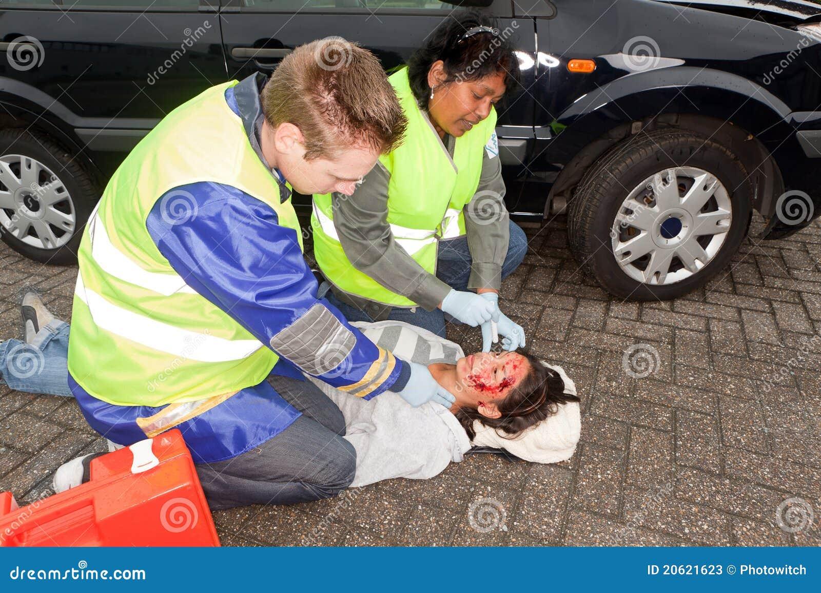 Sanitäter in der Tätigkeit