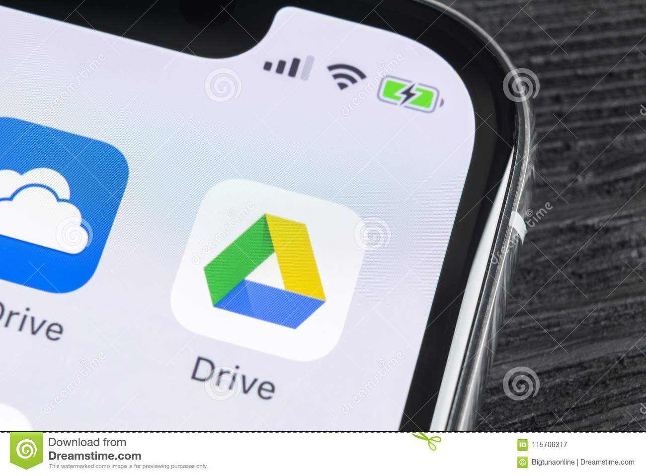 how to download photos from google drive on iphone