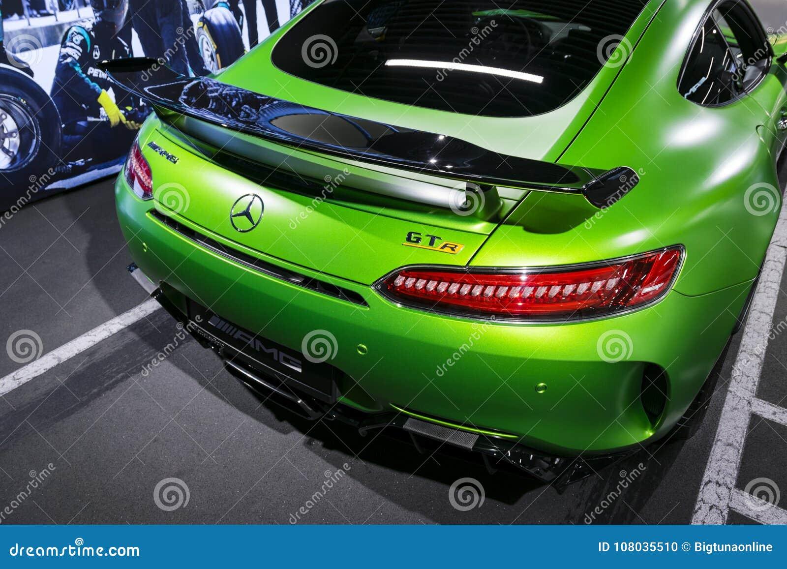 Green Mercedes Benz Amg Gtr 2018 V8 Bi Turbo Exterior Details