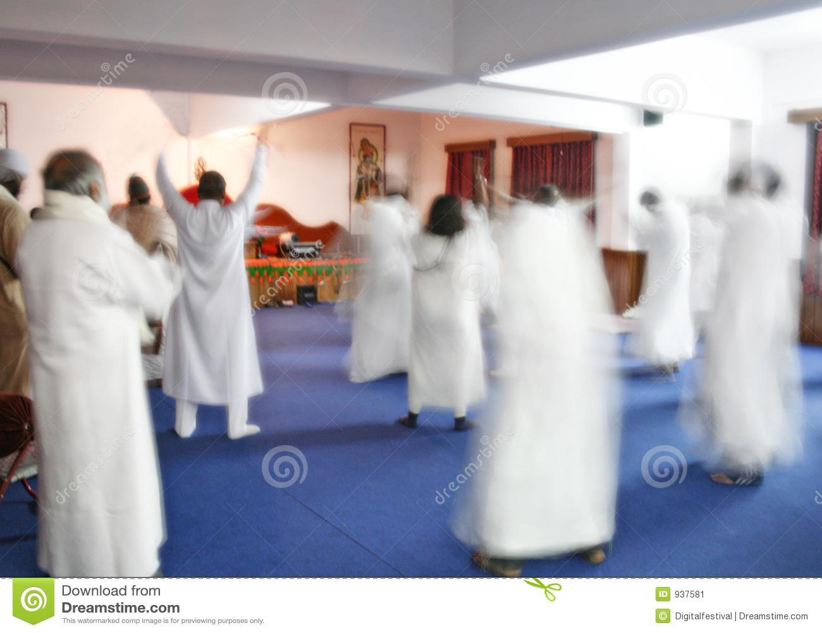 Sannaysins die en dit bestaan mediteert viert