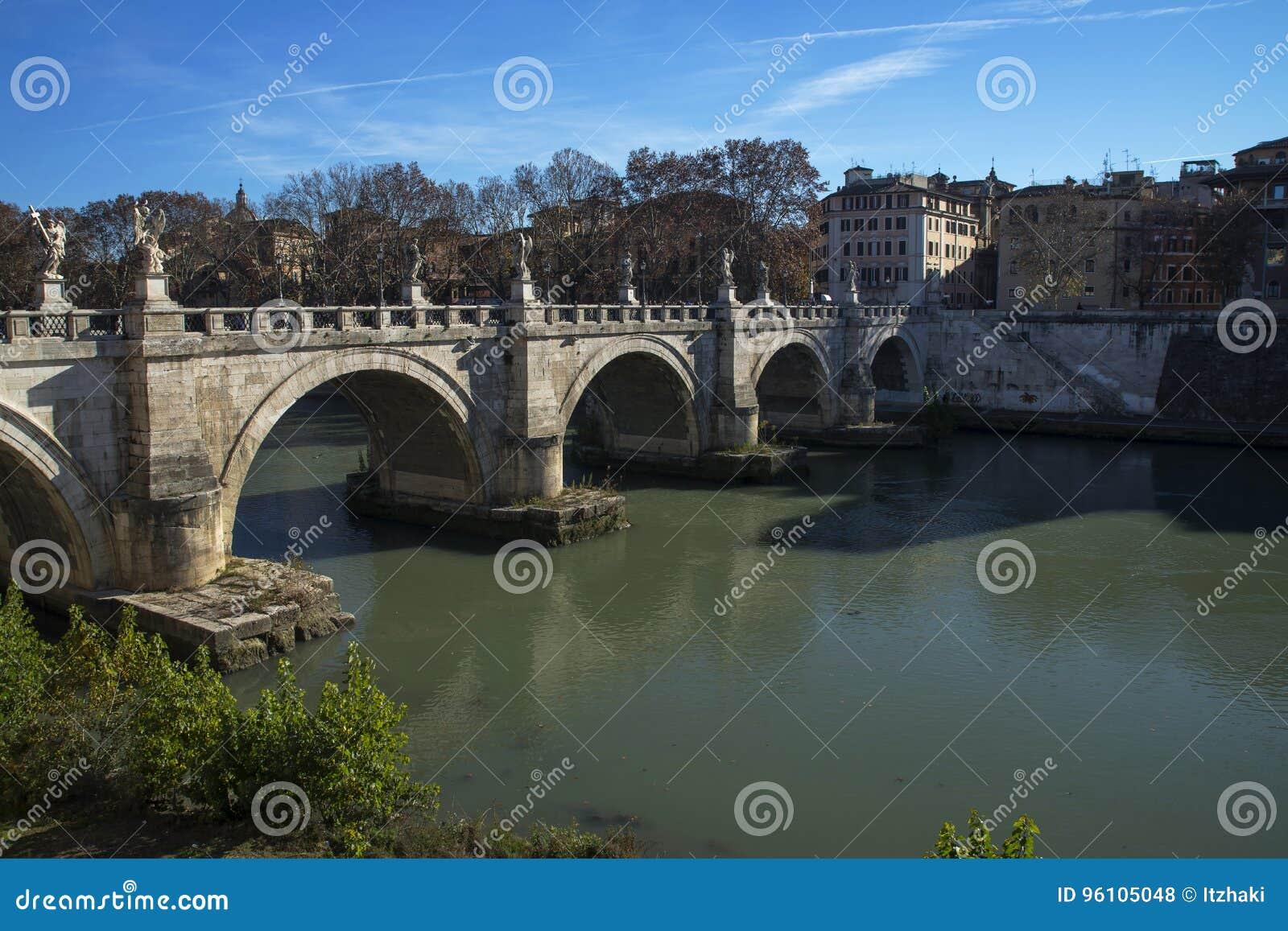 Sant angelo bridge roma rome italia fotografia stock for Europeo arredamenti mosciano sant angelo