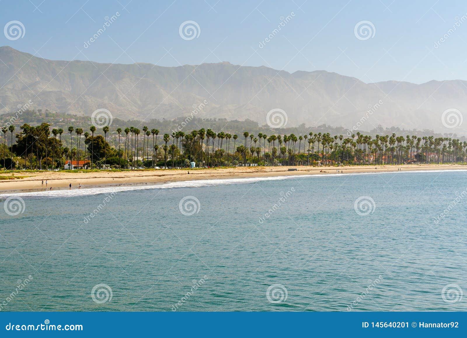 Santa Barbara Beach, Californië Ochtendtijd, Marine Layer
