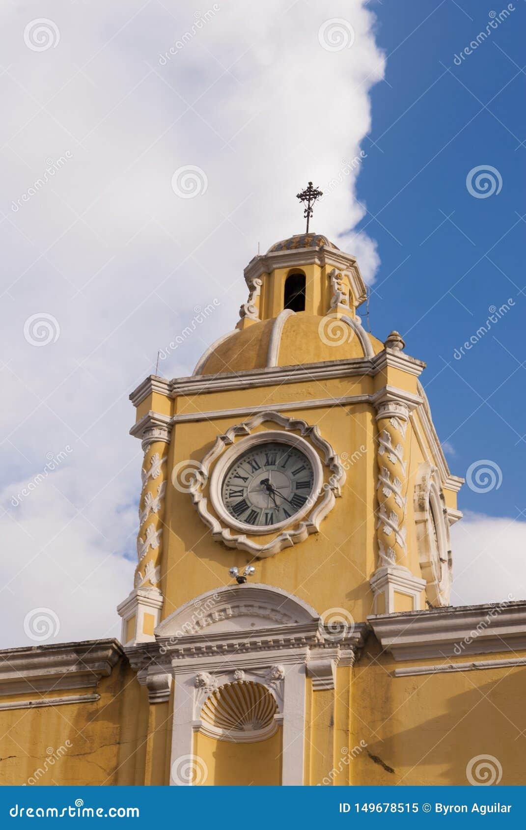 Santa Catalina ruiny w Hiszpańskim kolonialnym miasteczka UNESCO i łuk Światowe Dziedzictwo chmury i miejsce