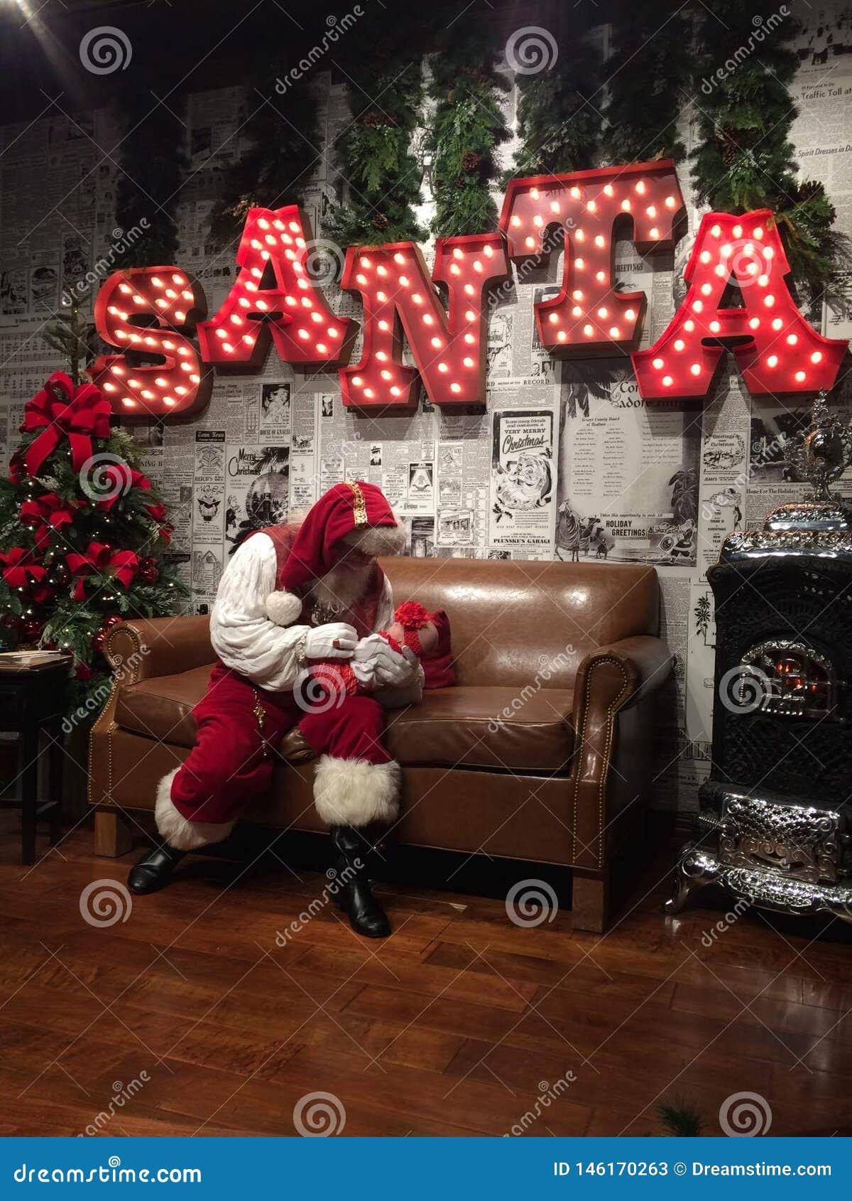 Santa Claus is comin ta town
