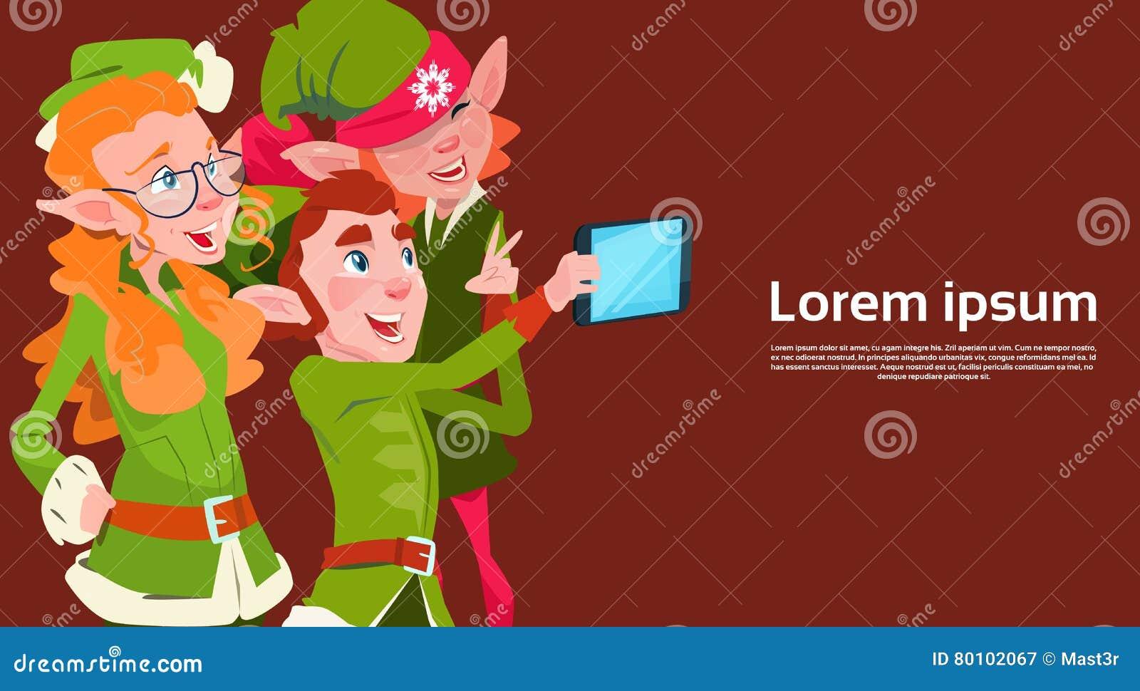 Santa Claus Helper Green Elf Group que faz a foto de Selfie, cartão do feriado do Natal do ano novo