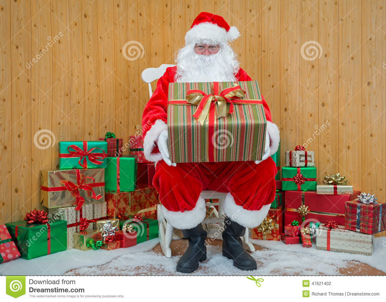 Santa girl present his anal strapon and fist - 2 10