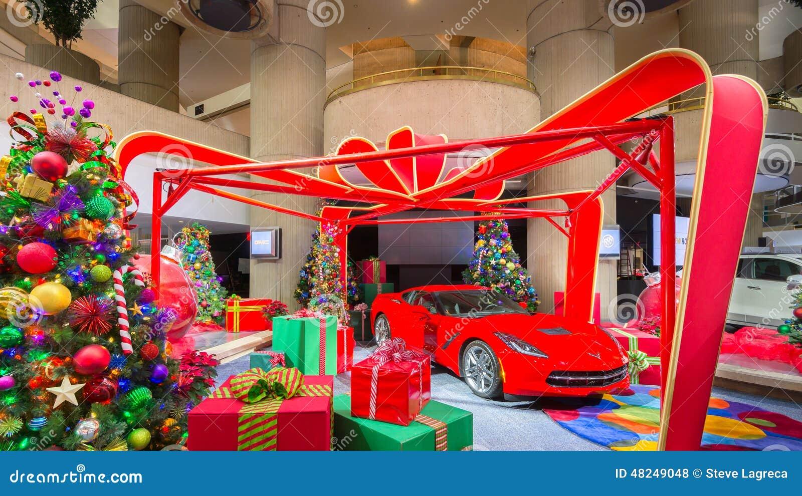 Santa Claus, Korvette 2014, Geschenke und Weihnachtsbäume