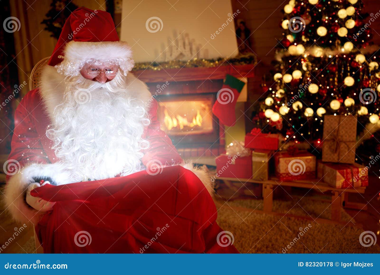Santa Claus real traz a mágica do Natal