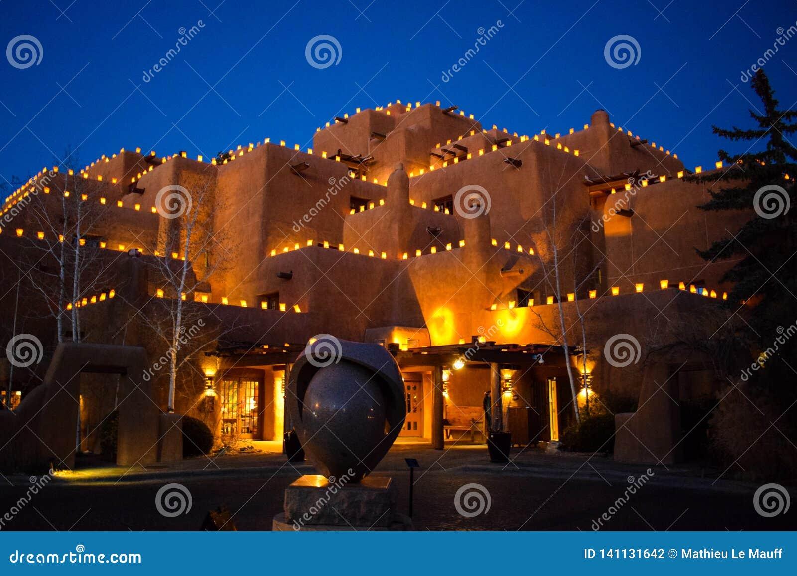 Santa Fe& x27;s Christmastime Lanterns - Faralitos and Luminarias