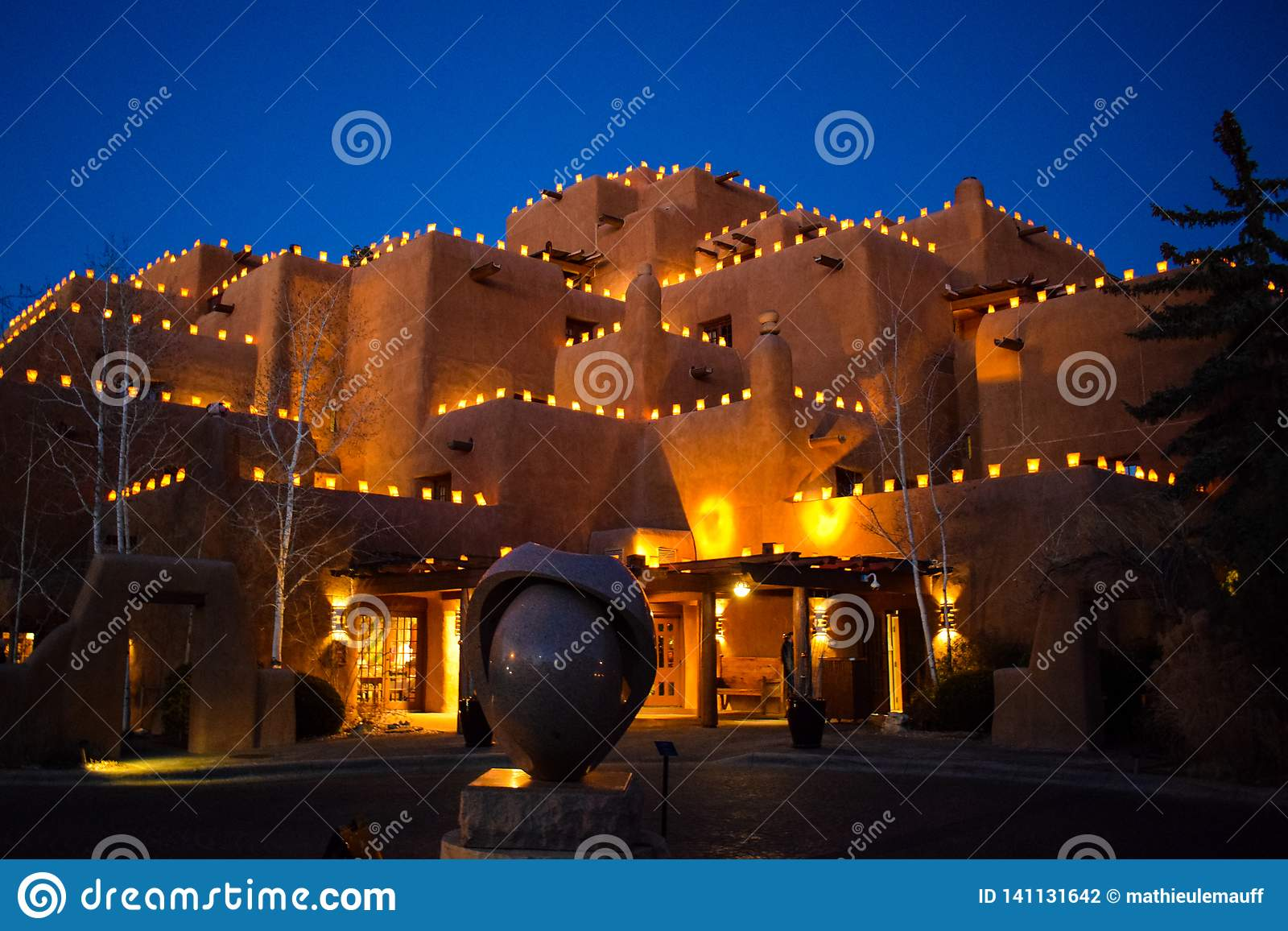 Santa Fe & x27; s Kersttijdlantaarns - Faralitos en Luminarias