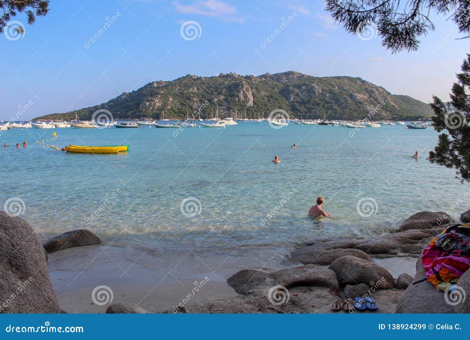 Santa-Giulia beach
