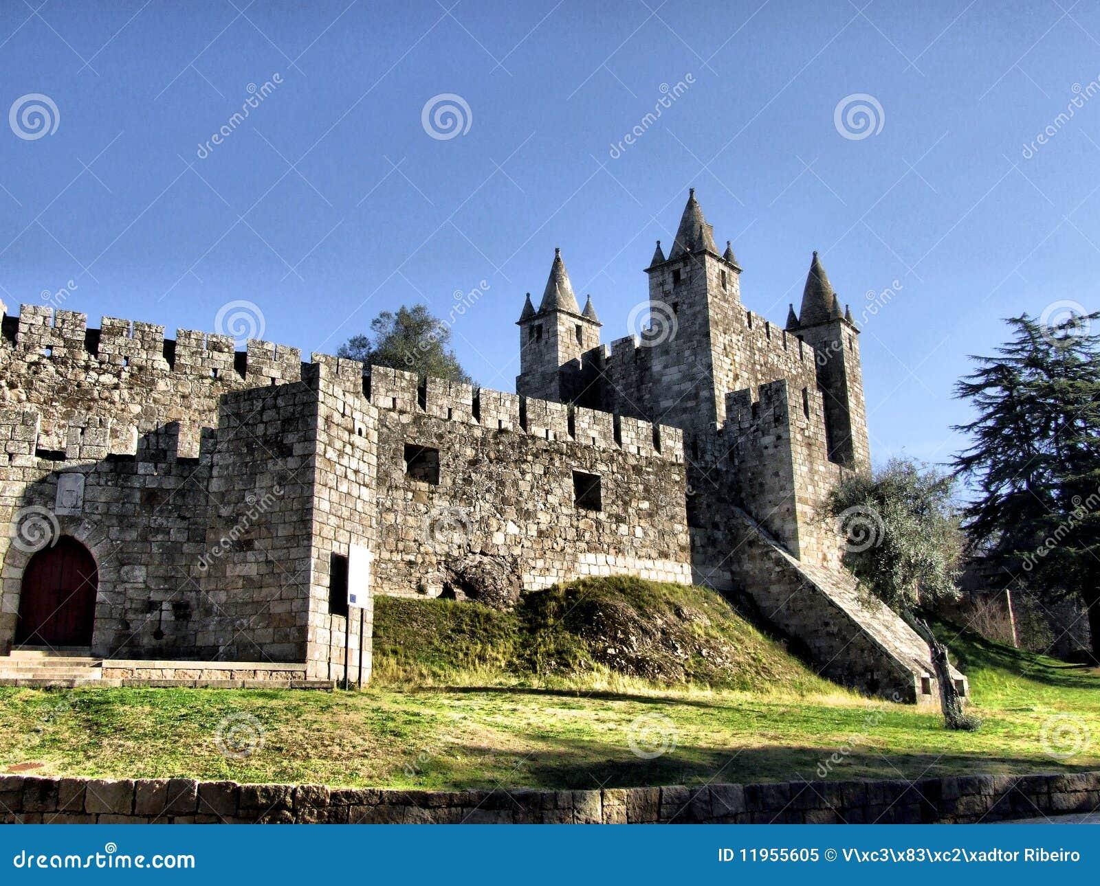 Santa Maria da Feira castle