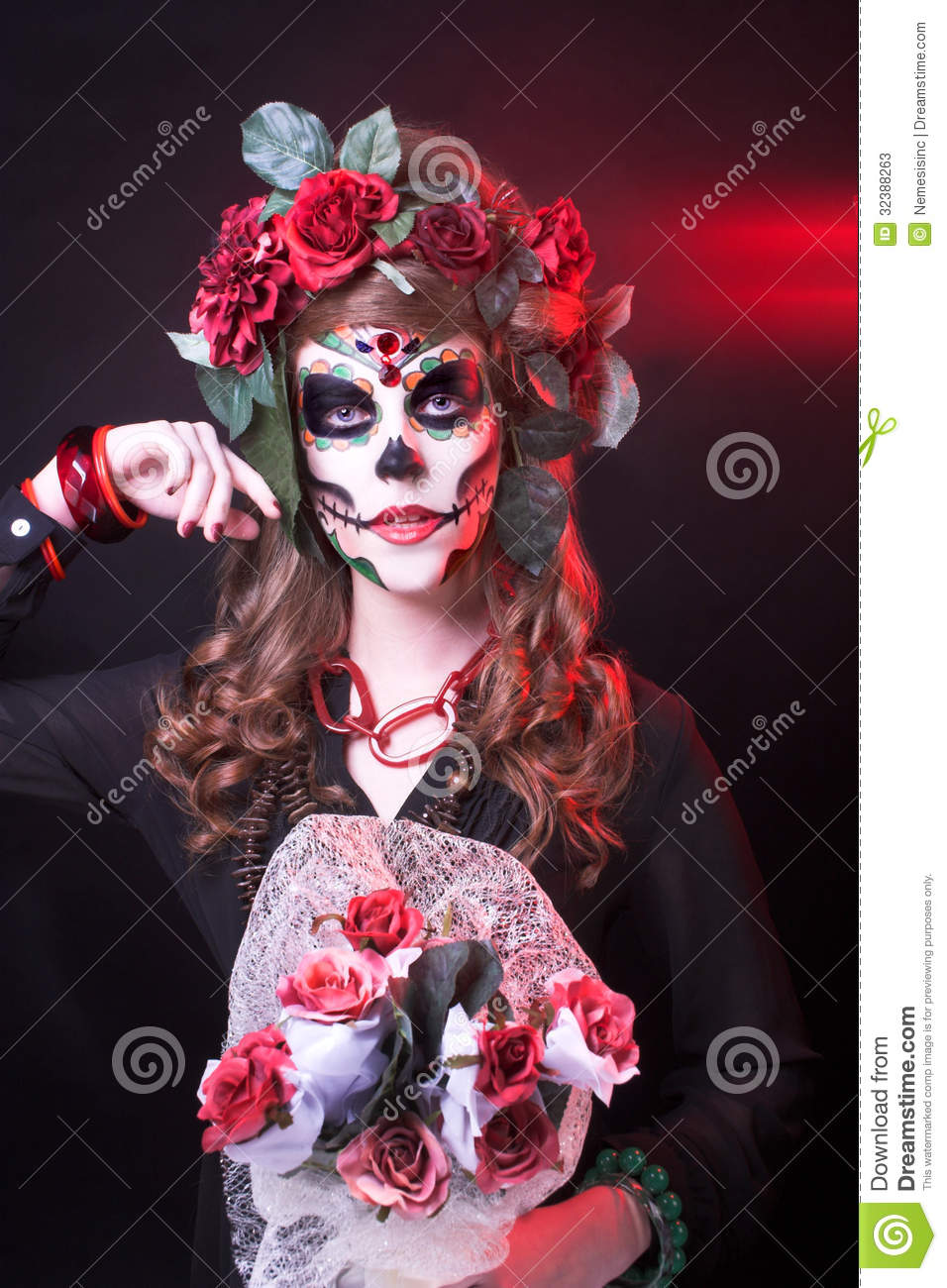 Santa Muerte. Young woman with artistic visage and with roses in her ...
