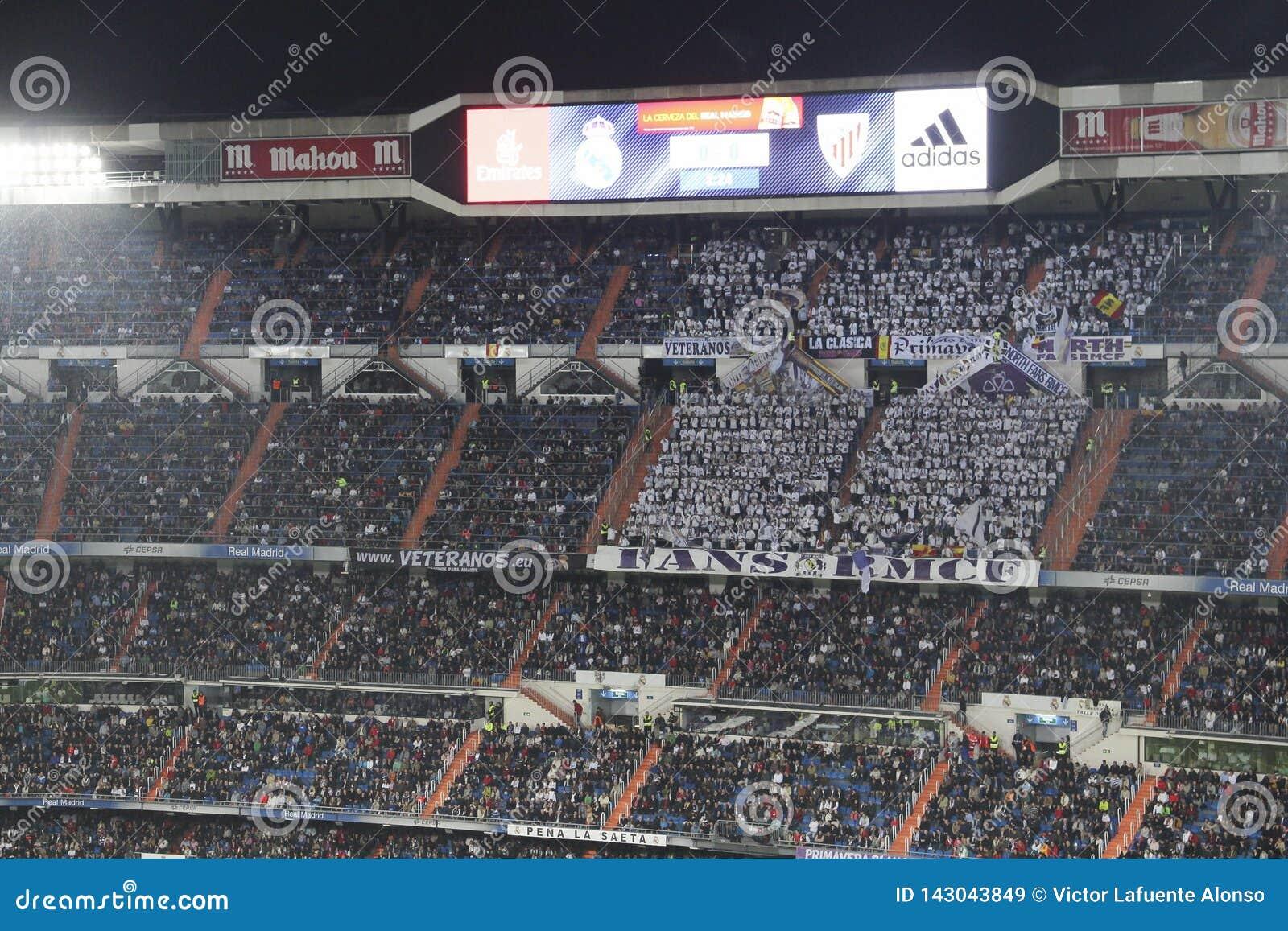 Nosotros mismos vitalidad plátano  Santiago Bernabeu Stadium During A Real Madrid Match In 2016 Editorial  Stock Image - Image of goal, europe: 143043849