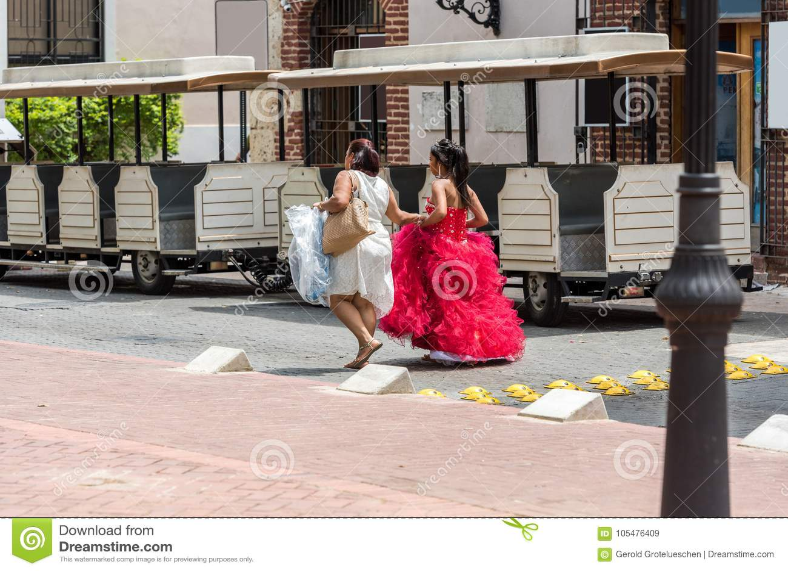Domingo women santo An Introduction