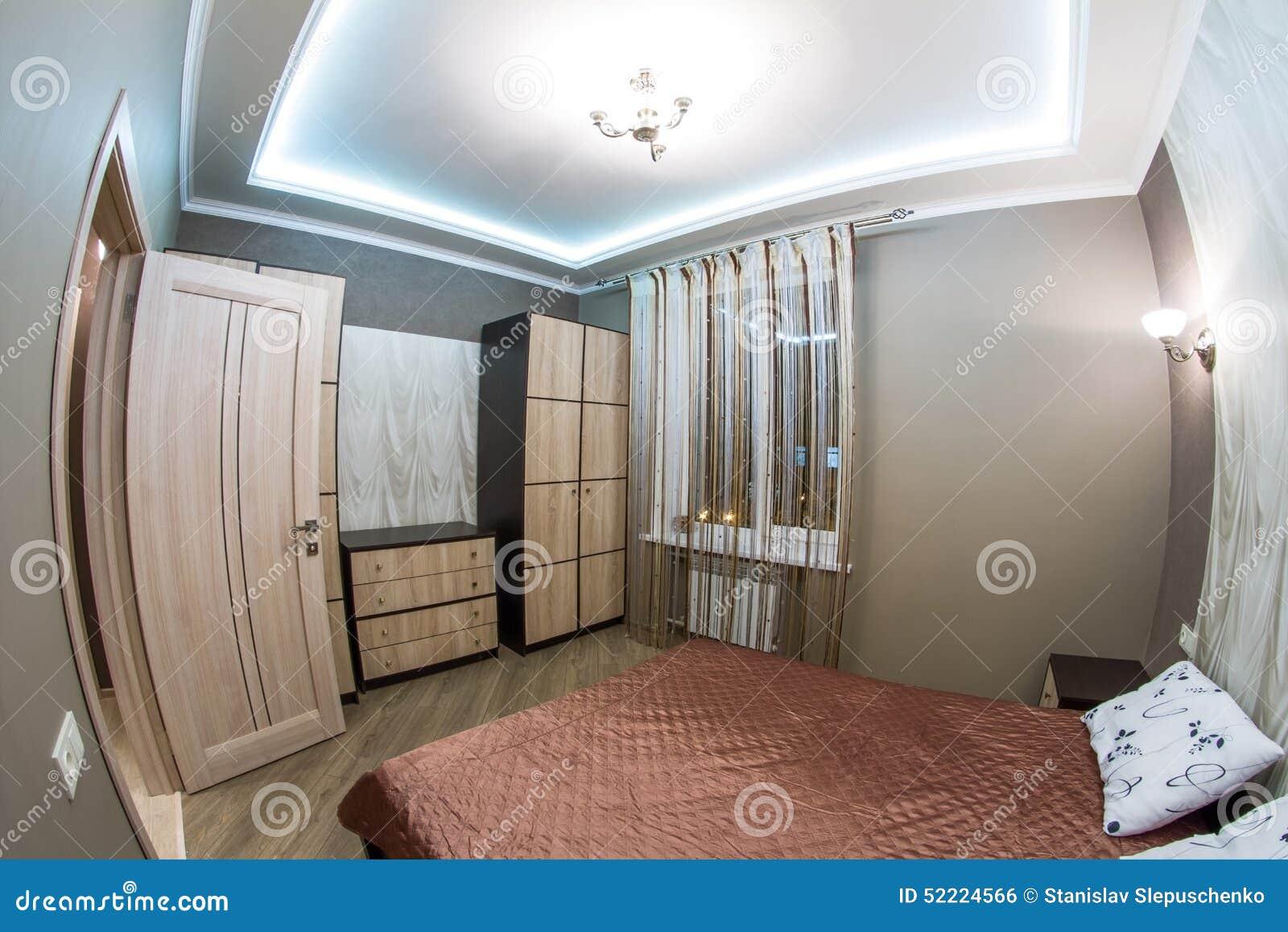 Kleines schlafzimmer doppelbett for Doppelbett kleines zimmer