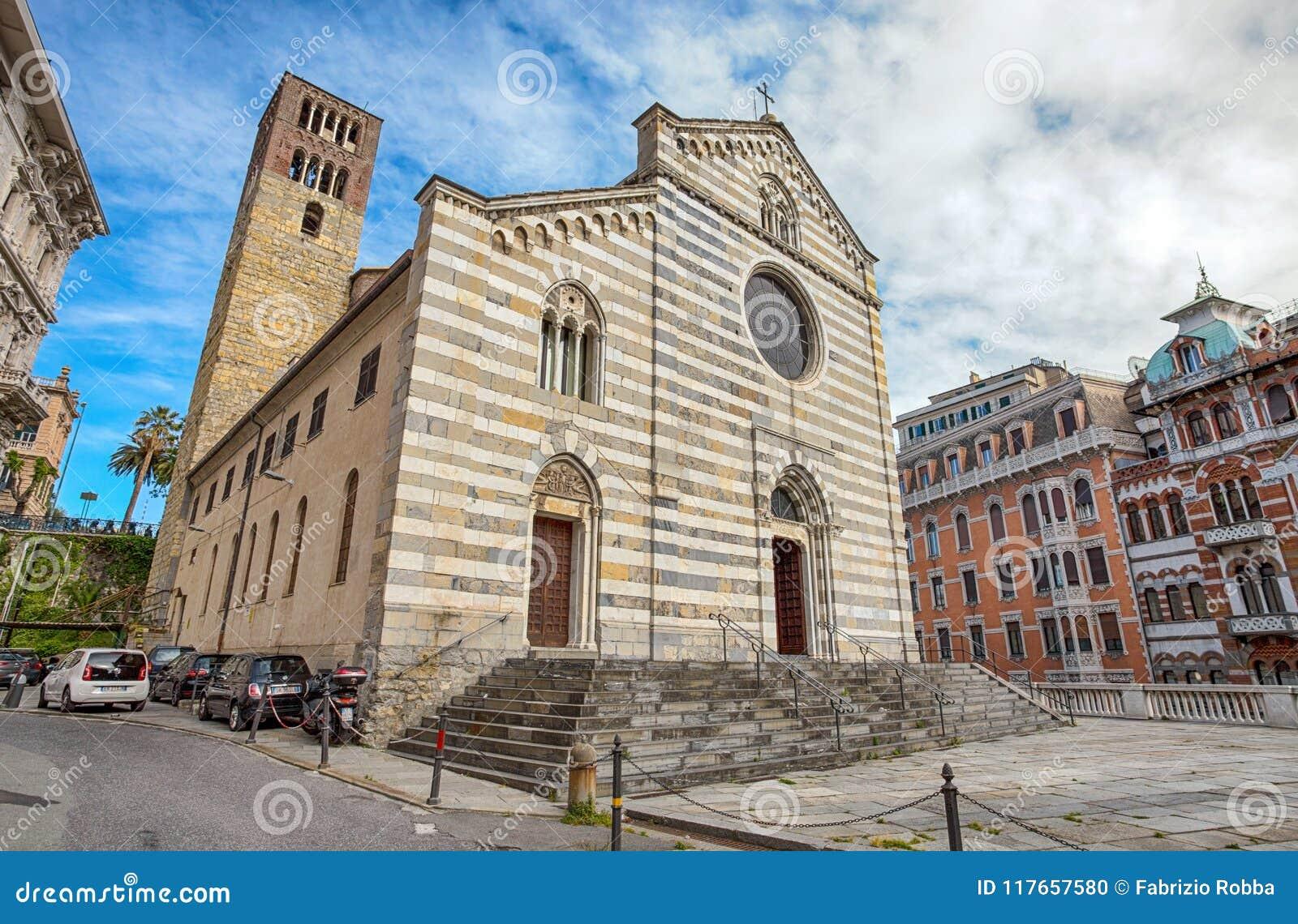 Santo Stefano Saint Stephen Church nel centro urbano di Genova, Italia