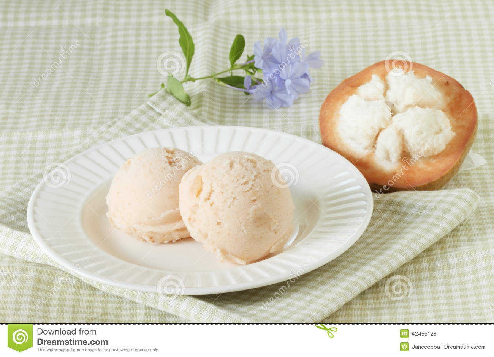Santol-Sorbett-Eiscreme mit frischem santol