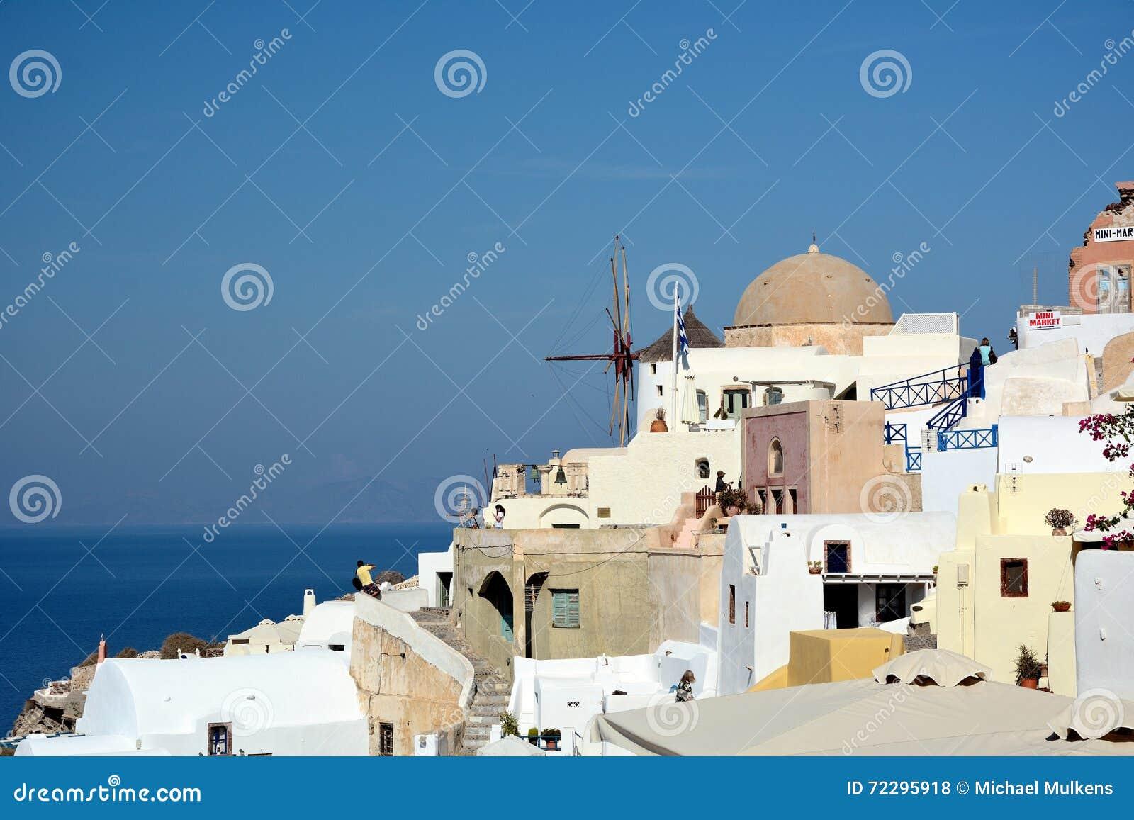 Download Santorini Греции редакционное стоковое фото. изображение насчитывающей небеса - 72295918