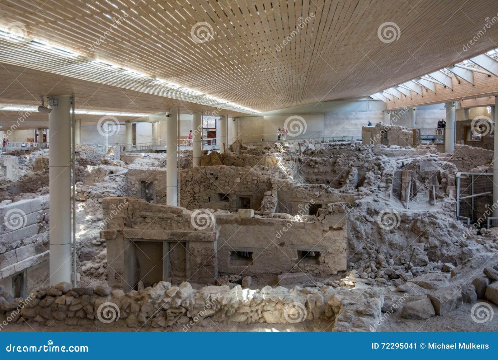 Download Santorini, старый городок Akrotiri Редакционное Фото - изображение насчитывающей защитников, природа: 72295041