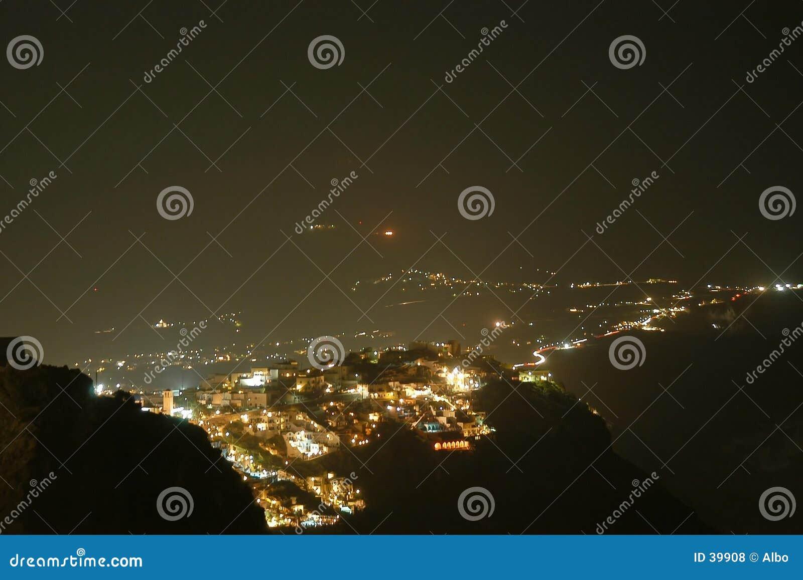 Santorini em a noite