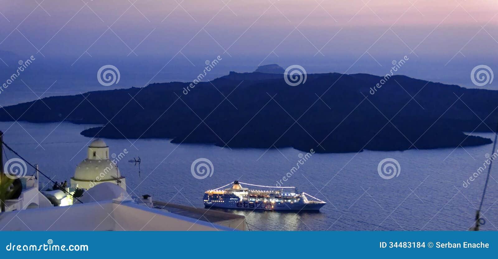 Santorini en la noche