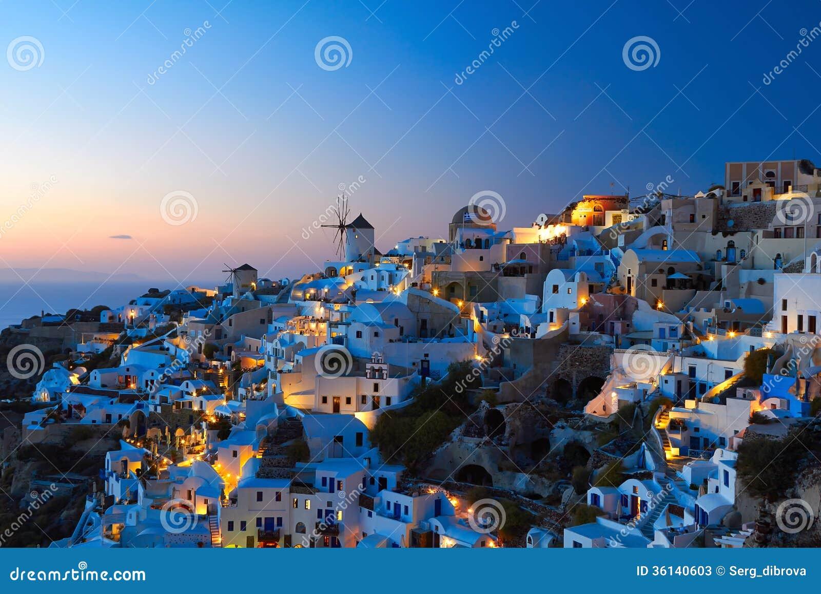 Santorini OIA nella sera