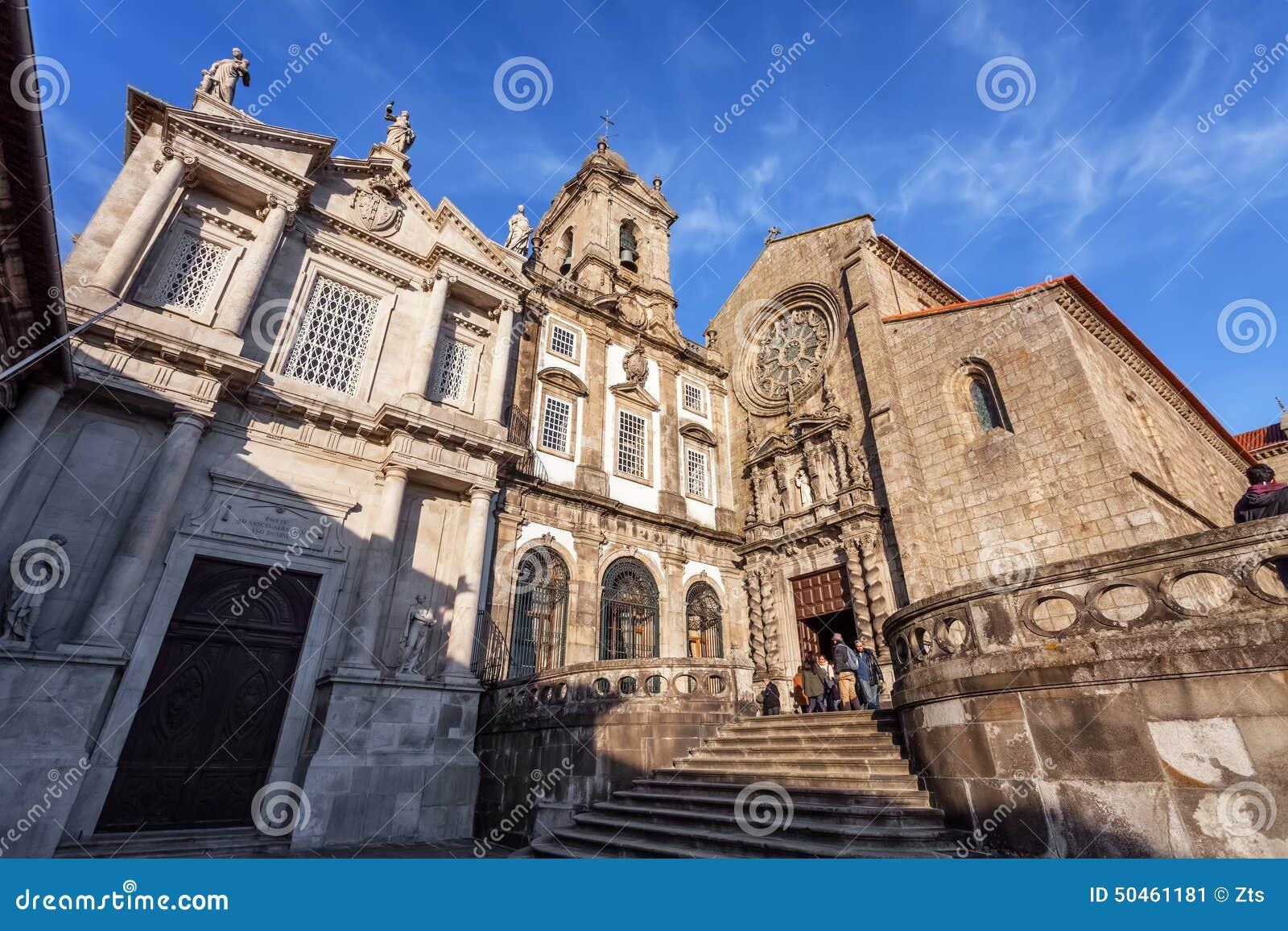 Sao Francisco Church, recht, de 14de eeuw Gotische architectuur