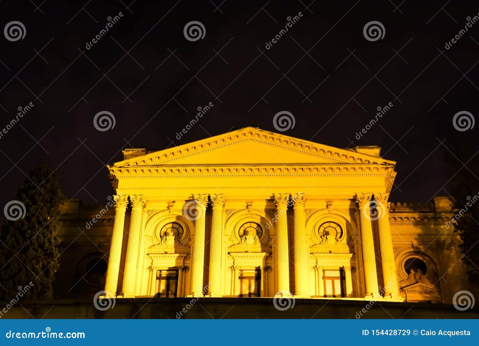 Sao Paulo/Brésil - juin 20 19 : Musée d Ipiranga, illuminé la nuit
