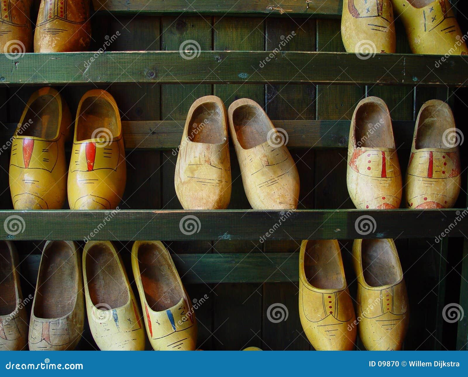Sapatas de madeira