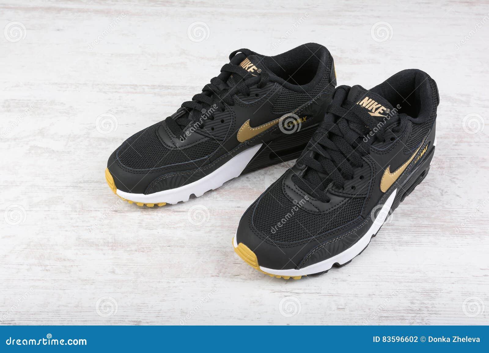 51c57493068 Sapatas Do ` S Das Mulheres De Nike Air Max - Sapatilhas No Preto ...