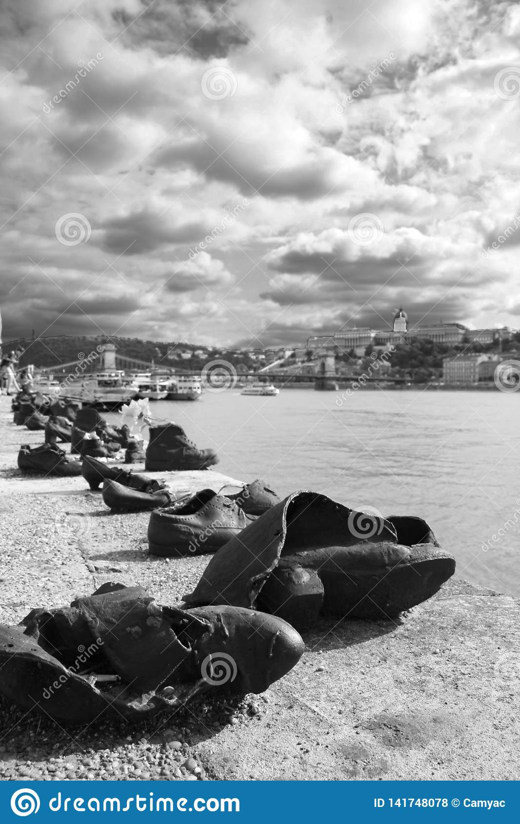 Sapatas no banco de Danúbio
