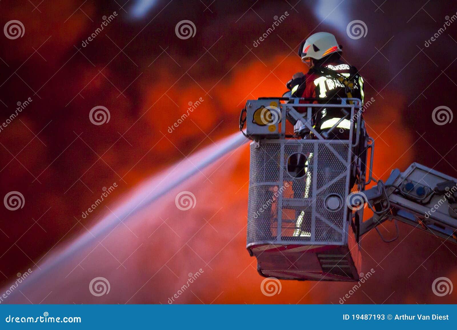 Sapeur-pompier dans l action