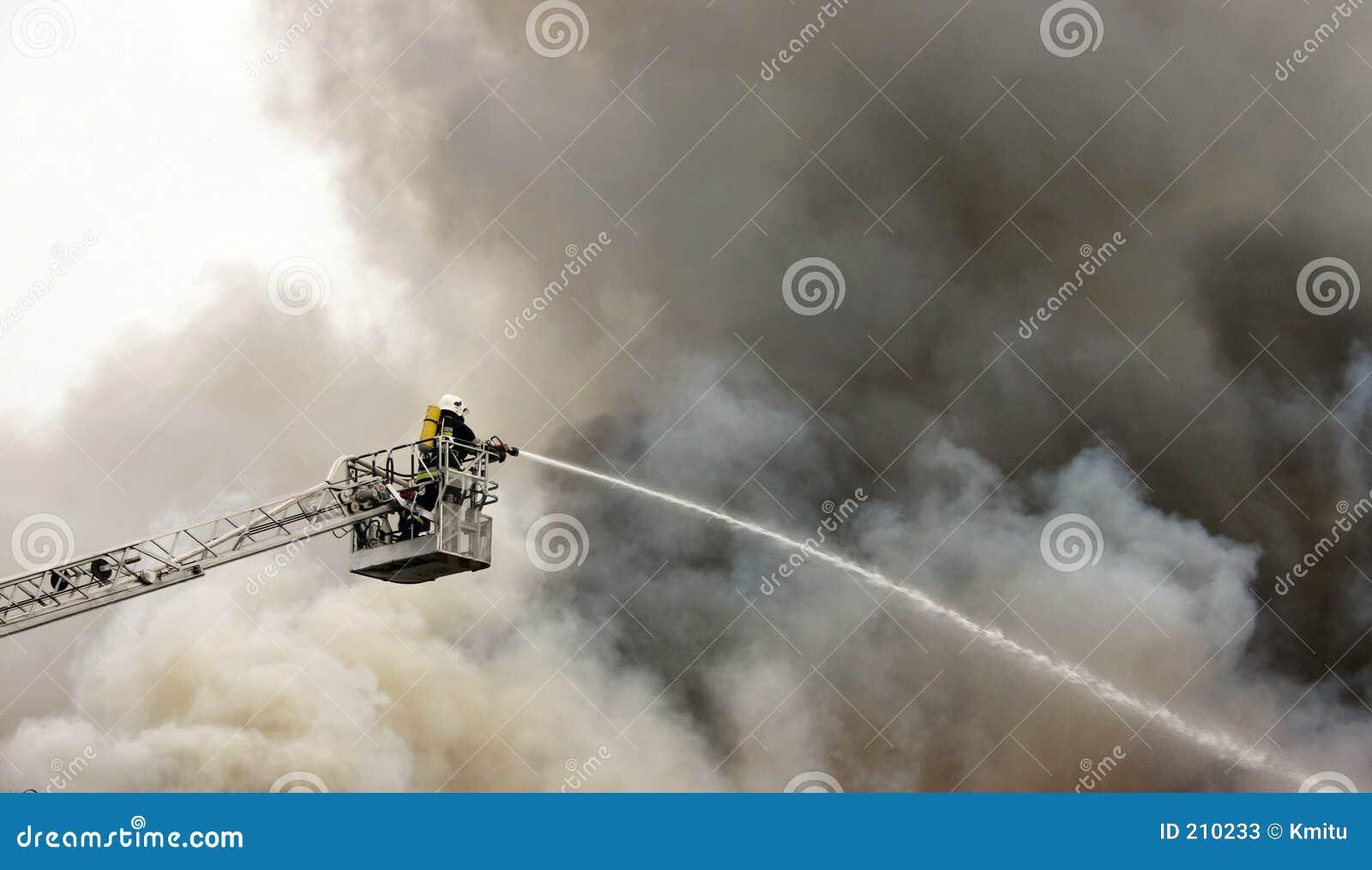 Sapeur-pompier en service